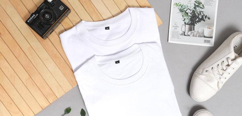Feld Textil mit DTF Textildruck digital - Transferdruck digital und Stick individual - www.krawatten-tuecher-schals-werbetextilien.de - Textilveredlung und Corporate Fashion der nächsten Generation. schlicht, weiß, schwarz, bunt