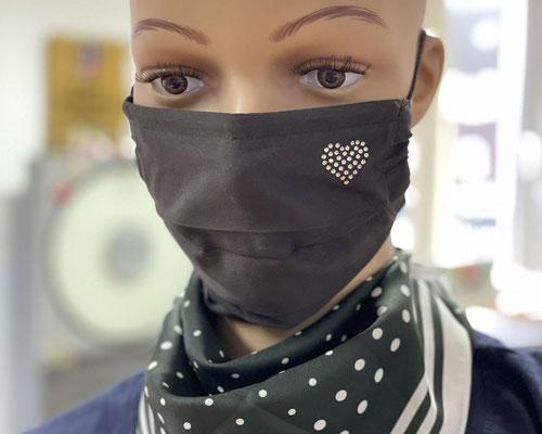 """Strass Grimaske® """"Herz"""" /  antivirale Atemschutzmaske - https://www.krawatten-tuecher-schals-werbetextilien.de/"""