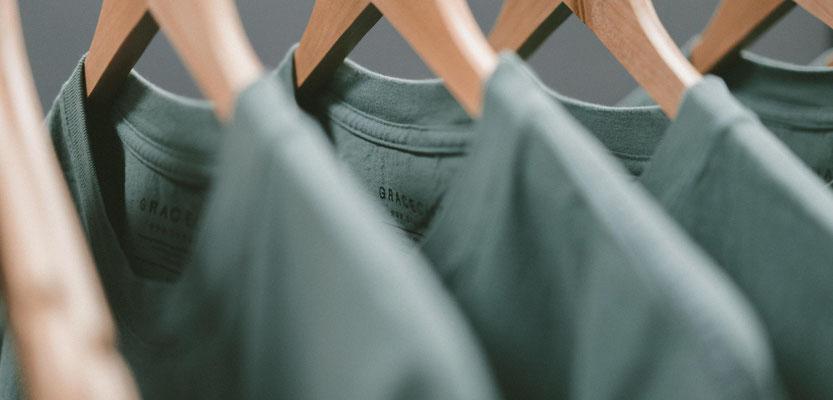 Feld Textil mit DTF Textildruck digital - Transferdruck digital und Stick individual - www.krawatten-tuecher-schals-werbetextilien.de - Textilveredlung und Corporate Fashion der nächsten Generation. auch Serienproduktion