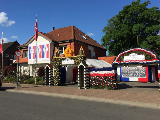 Banner Fahnen Standquartier Schützengruppe