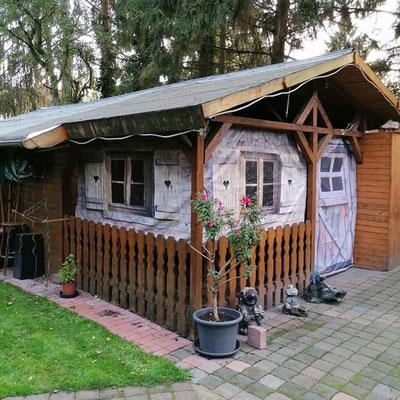 Werbebanner Sonderformat Seitenplanen für Holzhütte von Feld Textil GmbH Krefeld