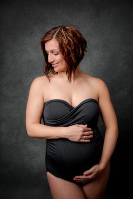 Babybauch Schwangerschaft Maternity FineArt Studiofotografie Gummersbach Köln Engelskirchen