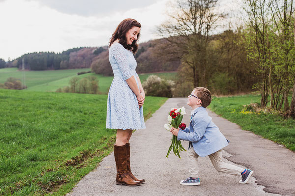 Mommy and me Muttatag Shooting outdoor Fotoshooting Familie Gummersbach Engelskirchen