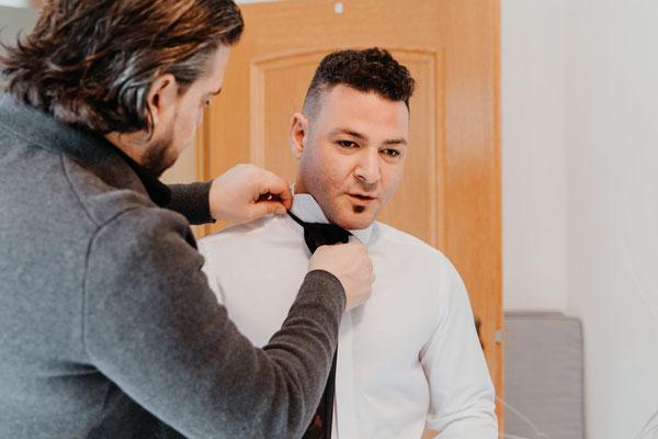 Hochzeit Engelskirchen Köln Gummersbach Bergneustadt Standesamt Getting ready Bräutigam italienische Hochzeit türkische Hochzeit Hochzeitsfotograf