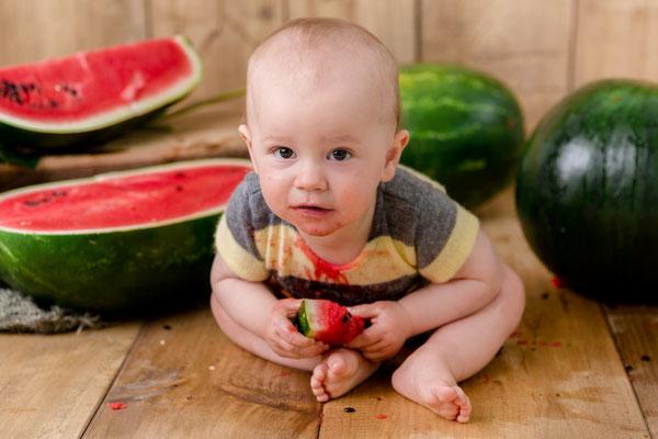 Melonenshooting, Melone, Früchteshooting, Kindershooting, Babyshooting, gesund, Gummersbach, Engelskirchen, Wiehl, Marienheide, Köln, Olpe, Siegen