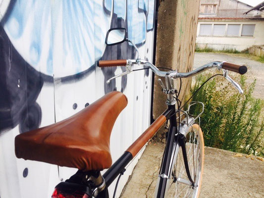 selle cuir vélo vintage