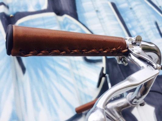 poingnées cuir vélo vintage