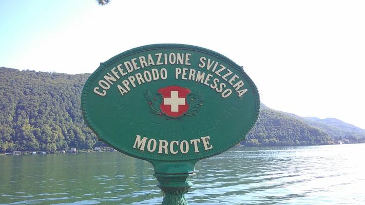 am Ziel angekommen: die Schweizer Grenza am Luganer See in Morcote