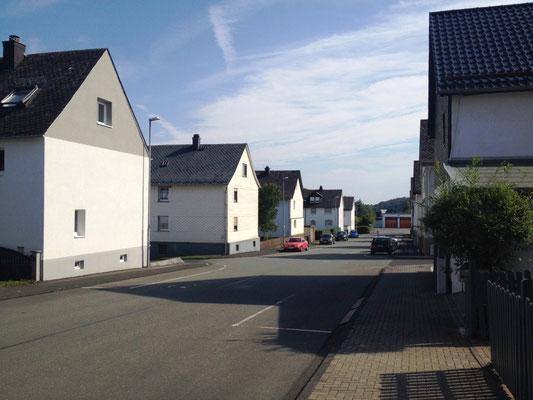 Monotone Bauten in Manderbach