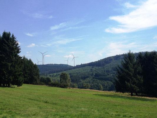 mehr Windmühlen (bei Oberroßbach)