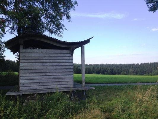 eine typische Schutzhütte des Rothaarsteigs - neu und gepflegt.