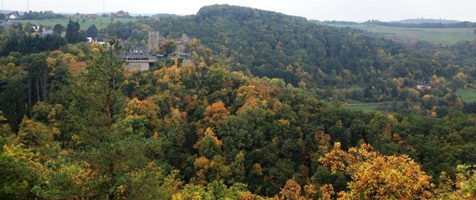 Blick auf Burg Hohenstein (wo ein Wunder ;-) geschah)