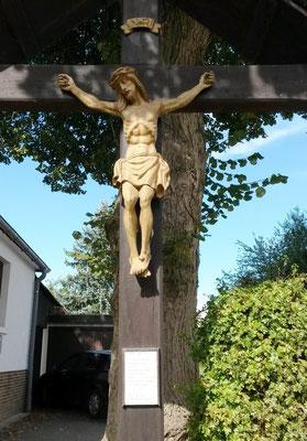Eines der vielen Jesus-Figuren in dieser Gegend