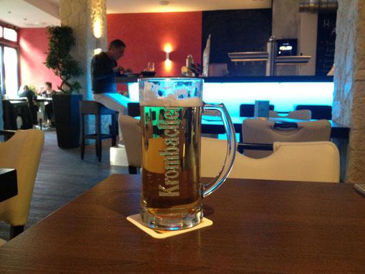 Bunter Tresen in der Cosmo| Lounge