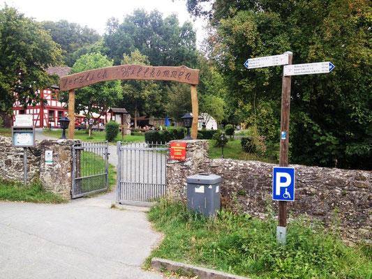 Eingang zum Wildpark Weilburg