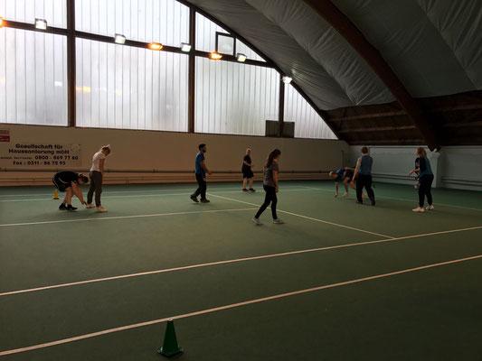 Und Action....  Natürlich durften die Teilnehmer im Praxisteil die Übungen zum ABC des Spielens auch selber testen