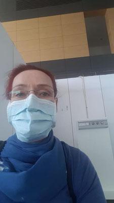Christiane Hinze mit Mundschutz