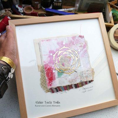 kleines Mixed Media Mandala Gemälde mit Blattgold auf Papier, www.ateliertantetrulla.de