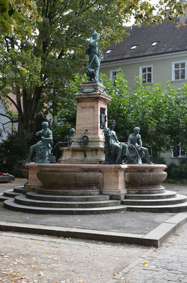 Ferienwohnungen Lindau Insel Brunnen Lindavia Reichsplatz