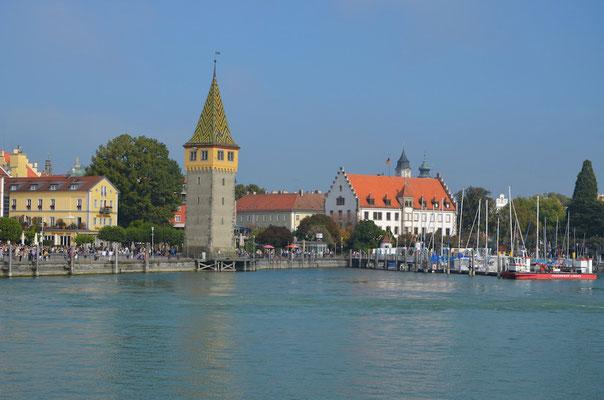 Ferienwohnungen Lindau Insel Hafeneinfahrt