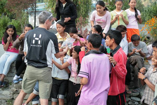 Spendenübergabe-Juergen-Sedlmayr-Nepal82