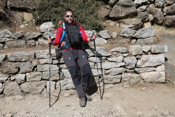 Trekkingstöcke_LEKI_Nepal_Manuela34