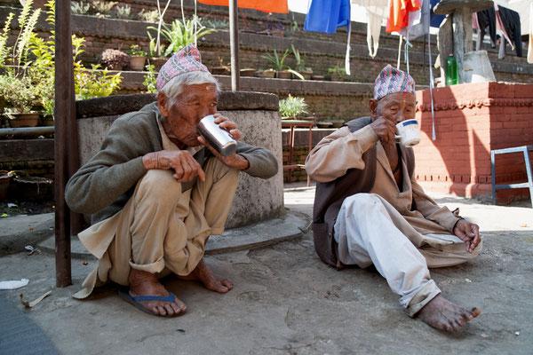 Spendenübergabe-Juergen-Sedlmayr-soziales-Engagement-Nepal13