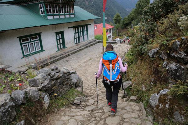 Trekkingstöcke_LEKI_Nepal_Manuela27