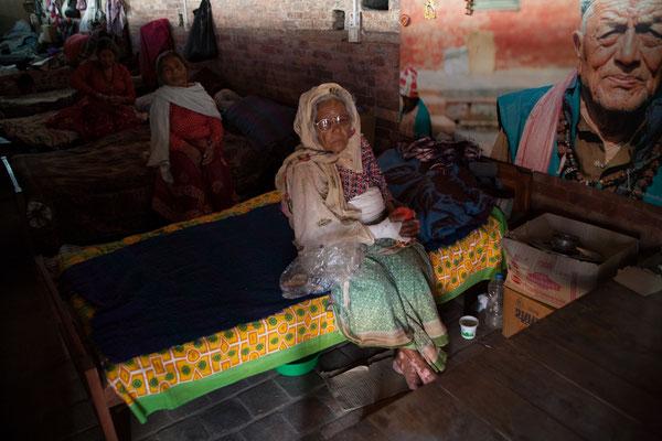 Spendenübergabe-Juergen-Sedlmayr-soziales-Engagement-Nepal12
