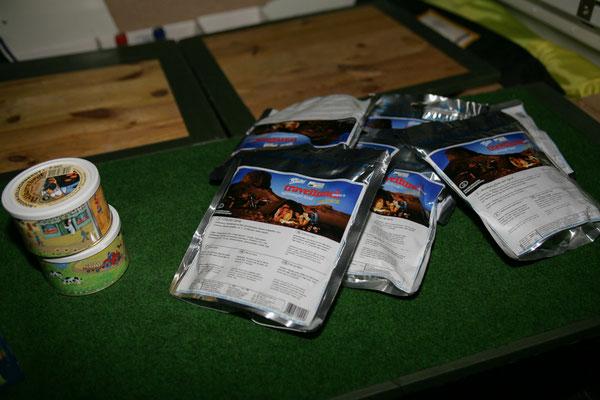 Trekking-Nahrung_Simpert_Reiter_verpacken_2