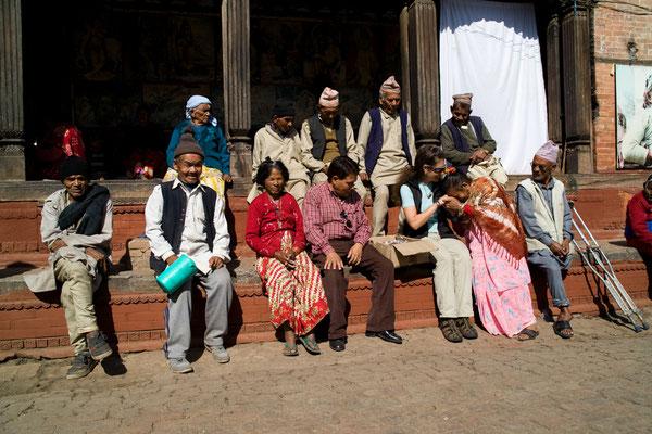 Spendenübergabe-soziales-Engagement-Juergen-Sedlmayr-Nepal17