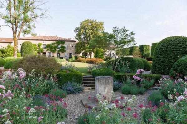 jardin à fleurs, Beaulieu-en-Argonne, 2 gîtes Domaine Le Chatel,Meuse