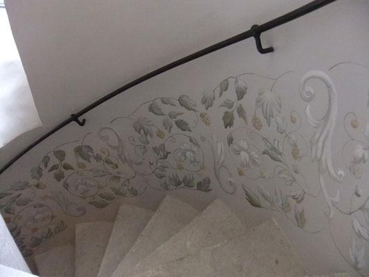 détail peinture escalier gîte Koetshuis