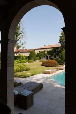 vue sur jardin avec piscine, domaine Le Chatel, Beaulieu-en-Argonne, Meuse