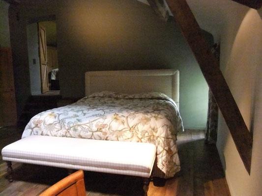 chambre 2 à grand lit -2 personnes gîte Koetshuis