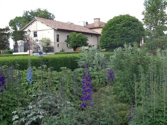 Le gîte Koetshuis vue de la rue , Beaulieu-en-Argonne , Meuse ,Lorraine