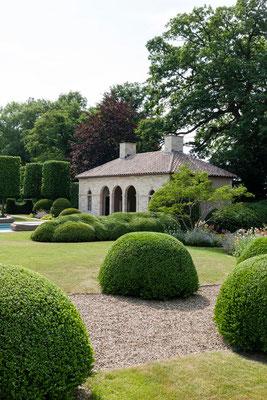 Vue jardin avec poolhouse, gîtes, Domaine Le Chatel, Beaulieu-en-Argonne, Meuse