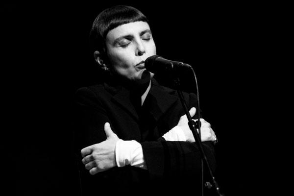 91 - Adriana Calcanhoto