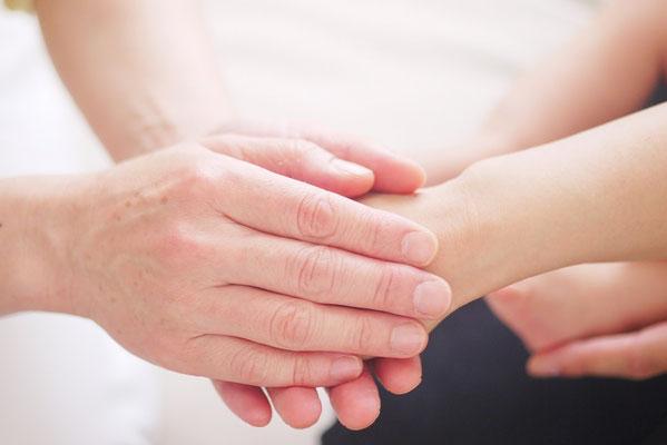 Handauflegen, Besprechen, Geistiges Heilen, Geistheilung