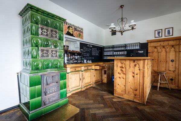 Gasthaus zum Brünnstein Oberaudorf Tresen