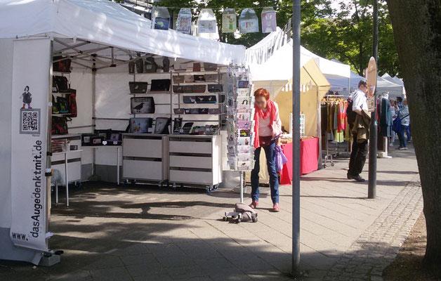 "Kunsthandwerkerinnenmarkt Jülich - ""Postkarten-Fan"""