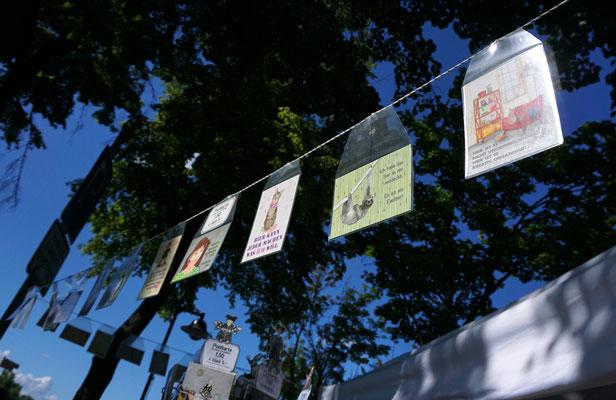"""Kunsthandwerkerinnenmarkt Jülich - """"Postkarten im Wind"""""""