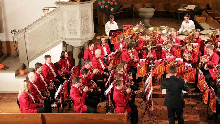 Die MFO, bereit den zahlreich erschienen Zuhörern ein musikalisches Repertoire vorzutragen