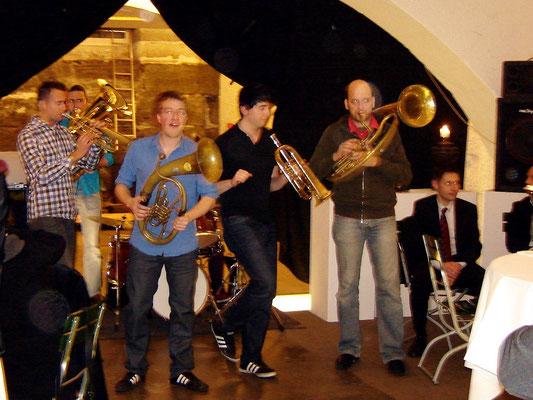 """Jan Müller mit seiner Band """"Molotow-Brass""""..."""