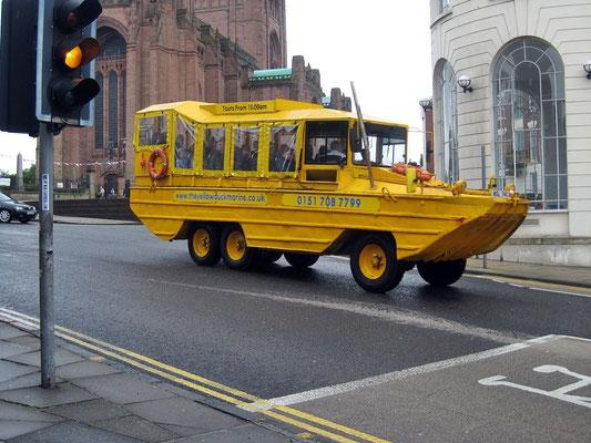 Ein Wasserfahrzeug zu Lande. Noah würde staunen.
