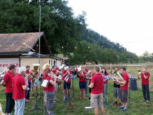 Die Nationalhymne - begleitet durch die MFO