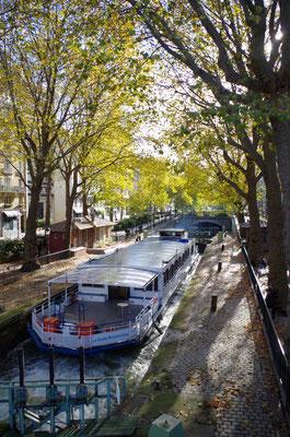 Péniche Canal St-Martin.