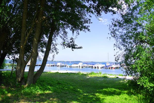 Marina ZWEI SEEN © Naturcamping Zwei Seen am Plauer See/MV . https://www.zweiseen.de