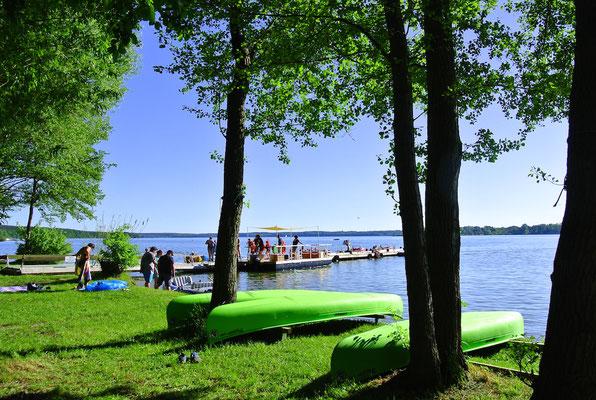 Bootsverleih und eigene Marina für Ihr Motor- und Segelboot © Naturcamping Zwei Seen, www.zweiseen.de