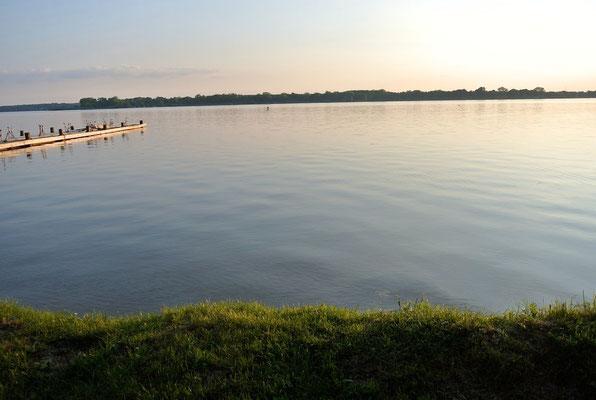 Der Plauer See ist ein ideales Schwimm- und Wassersportrevier © Naturcamping Zwei Seen am Plauer See/MV
